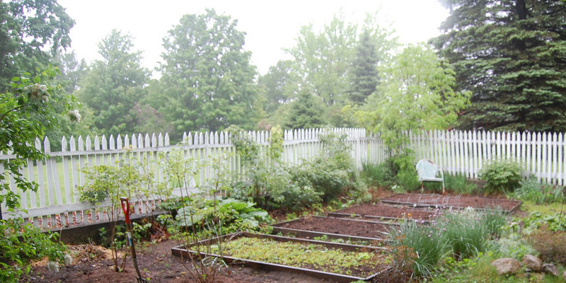 Garden Tour: Three Grades of Outside Living
